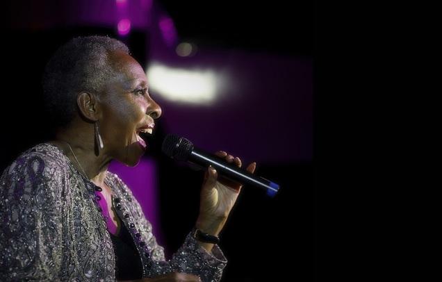 Elaine Delmar Sings Lunchtime Jazz